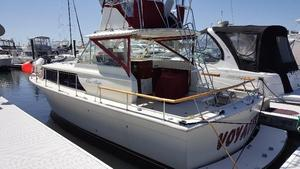 Used Chris-Craft 31 Convertible Fishing Boat For Sale
