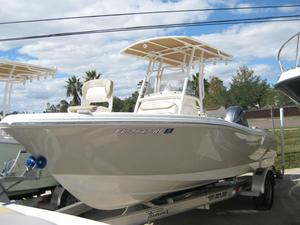 Used Pioneer 202 Islander Center Console Fishing Boat For Sale
