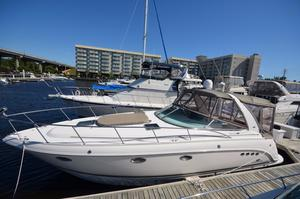 Used Chaparral 350 Signature Cruiser Boat For Sale