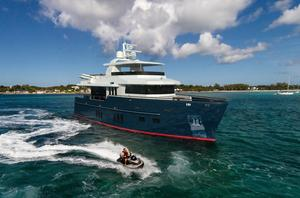 New Bering 75 Motor Yacht For Sale