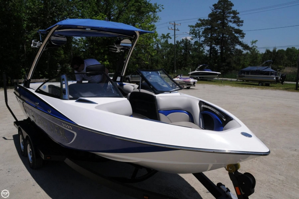how to buy a used wakeboard boat