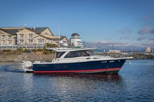 New Cutwater 302 Coupe Sports Fishing Boat For Sale