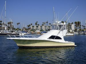 Used Luhrs 44 Convertible Motor Yacht For Sale