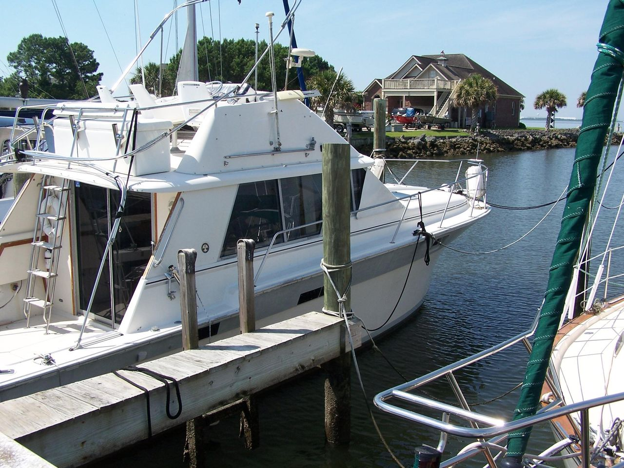 1988 Used Silverton Convertible Fishing Boat For Sale