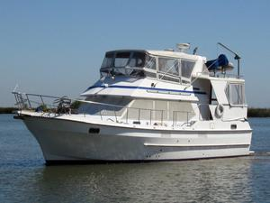 Used Chb Ponderosa Sundeck MY Motor Yacht For Sale