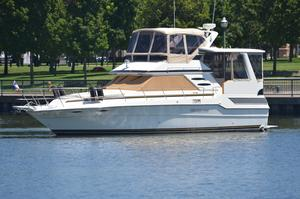 Used Sea Ray 415 Aft Cabin MY Motor Yacht For Sale