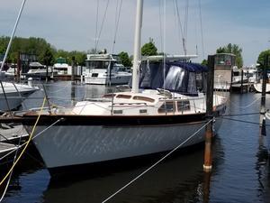 Used Irwin 38 MK II Cruiser Sailboat For Sale