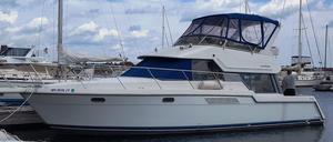 Used Carver 370 Voyager Cruiser Boat For Sale