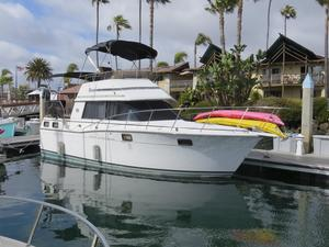 Used Carver 32 Aft Cabin House Boat For Sale