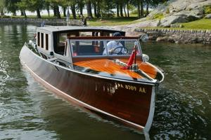 Used Hutchinson Commuter Sedan Antique and Classic Boat For Sale