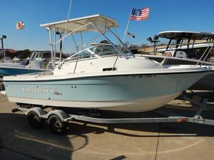 Used Trophy 2152 Walkaround Center Console Fishing Boat For Sale