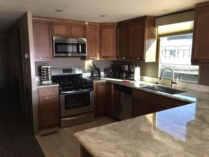 Used Bravada Discovery Trip 15 House Boat For Sale