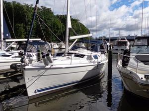 Used Hunter 44 Deck Salon Daysailer Sailboat For Sale