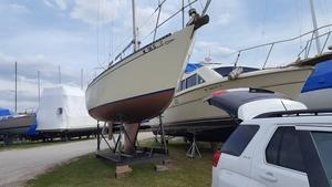 Used Islander Bahama Racer and Cruiser Sailboat For Sale