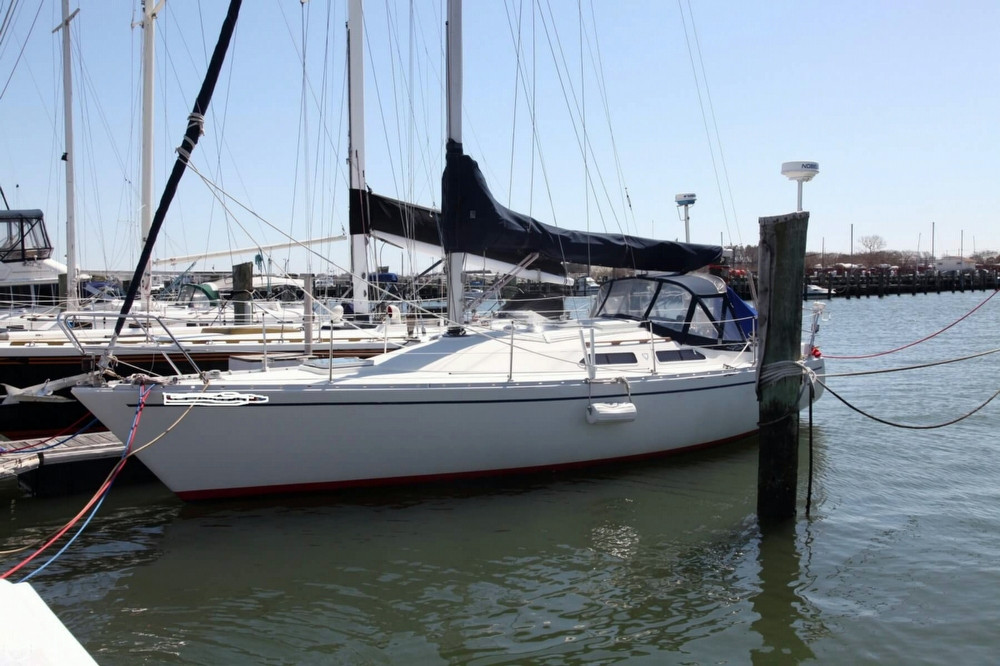 Used Albin Yachts 33 Nova Racer and Cruiser Sailboat For Sale