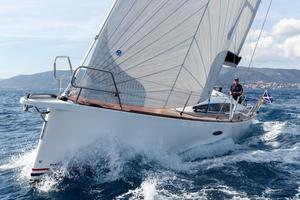 New Maxi 1200 Racer and Cruiser Sailboat For Sale