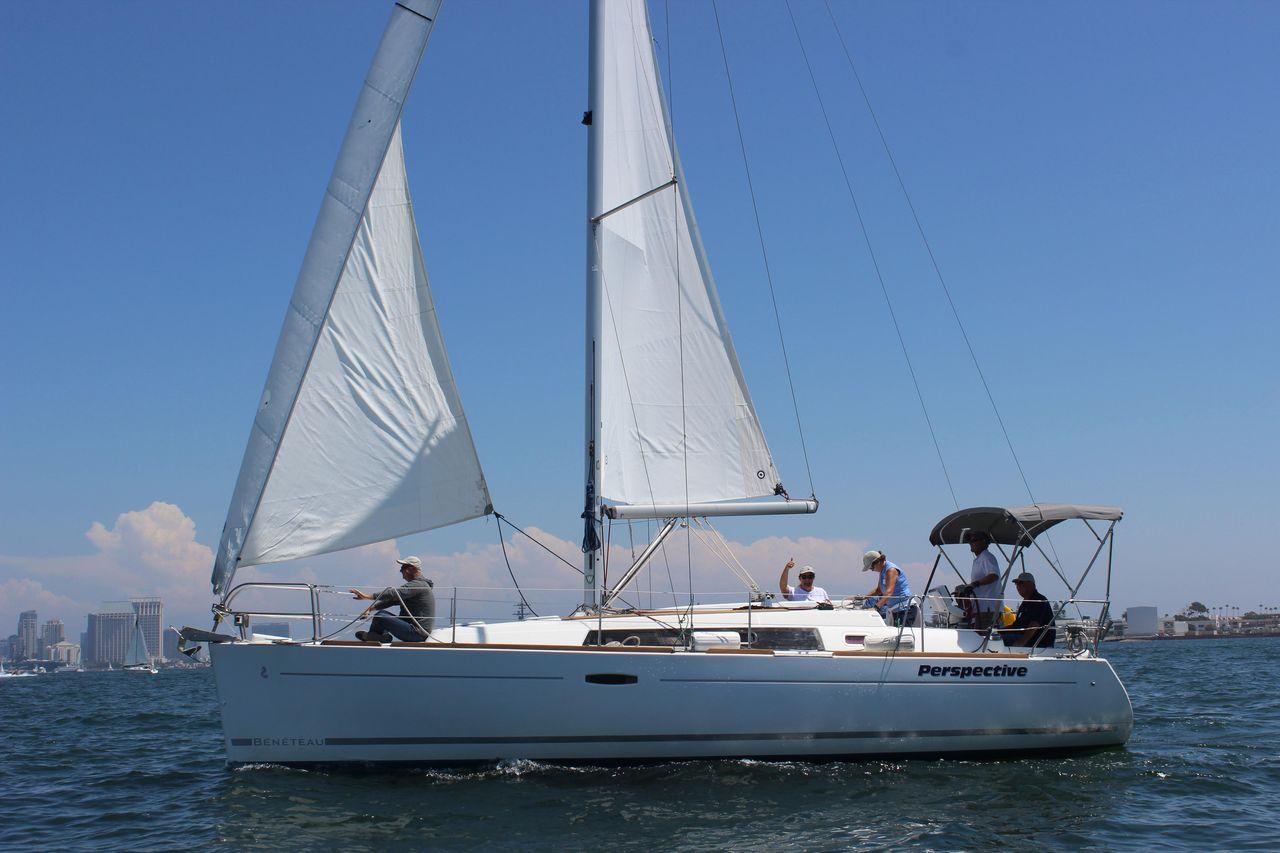 2010 Used Beneteau Oceanis 34 Cruiser Sailboat For Sale 99 000
