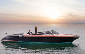 Used Riva 33' Aquariva Super Express Cruiser Boat For Sale