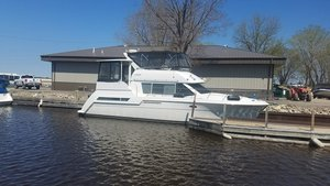 Used Carver 405 Motor Yacht For Sale