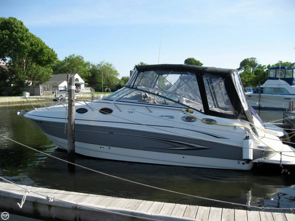 Used Glastron GS 289 Express Cruiser Boat For Sale