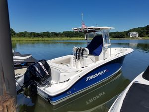 Used Trophy 2503 Sports Fishing Boat For Sale