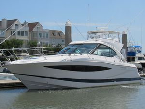 Used Four Winns V 435 Sports Cruiser Boat For Sale
