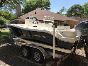 Used Nauticstar 2000 Sports Fishing Boat For Sale