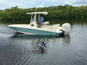 Used Boston Whaler 240 Dauntless Sports Fishing Boat For Sale
