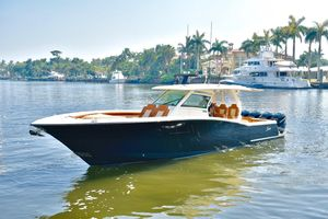 Used Scout Boats 420 LXF Sports Fishing Boat For Sale