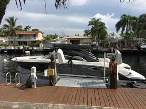 Used Sea Ray SLX 280 Cruiser Boat For Sale