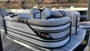 New Crest Classic 230 Pontoon Boat For Sale