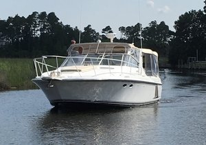 Used Trojan 10M Mid-cabin Express Cruiser Boat For Sale