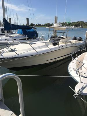 Used Hydra-Sports 3300 SF Center Console Fishing Boat For Sale