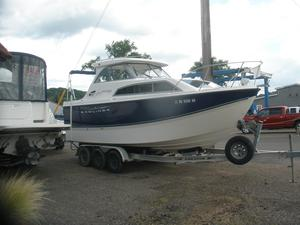 Used Bayliner 246 Discovery Cuddy Cabin Boat For Sale