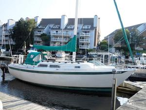 Used Ericson 27 Cruiser Sailboat For Sale