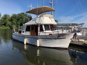 Used Marine Trader 34 Double Cabin Cruiser Boat For Sale