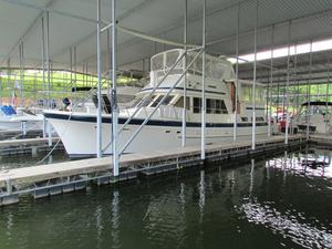 Used Jefferson 48 CPMY Cruiser Boat For Sale