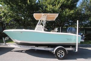 Used Pioneer 202 SF Center Console Fishing Boat For Sale