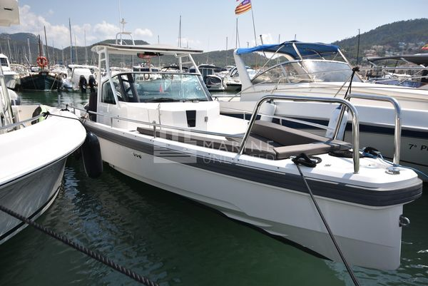 Used Axopar 28 T-top Bowrider Boat For Sale