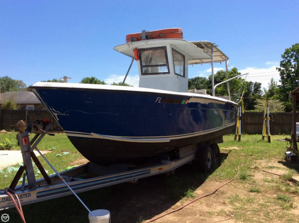 Used Chris-Craft 28 Cruiser Boat For Sale