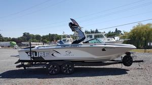 Used Centurion ENZO FS44 High Performance Boat For Sale