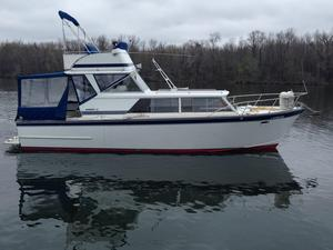 Used Marinette 32 Fly Bridge/express Cruiser Boat For Sale