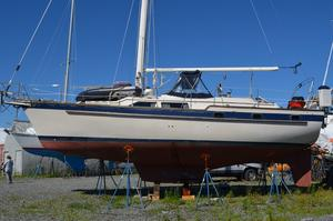 Used Irwin 38 MK II C/C Sloop Sailboat For Sale