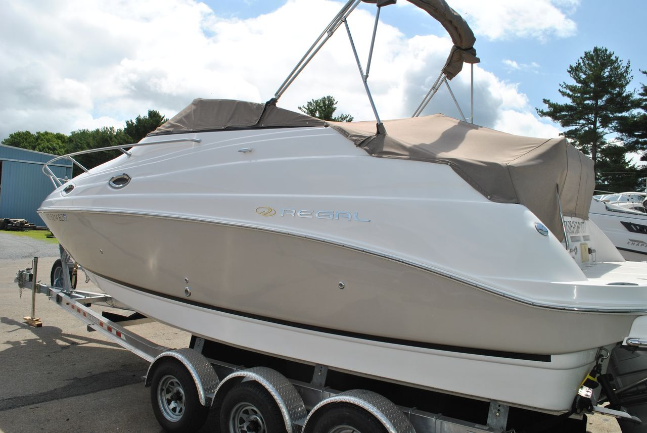 Used Regal 2665 Commodore Cruiser Boat For Sale