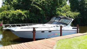 Used Sun Runner 3000 Motoryacht Express Cruiser Boat For Sale