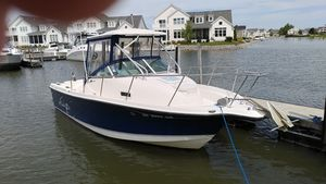 Used Trophy 2352 WA Motor Yacht For Sale