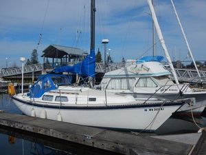 Used Newport 28 Sloop Cruiser Sailboat For Sale