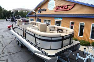 Used Harris Cruiser 240Cruiser 240 Pontoon Boat For Sale