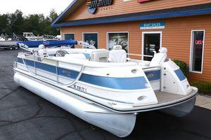 Used Harris Crowne 26Crowne 26 Pontoon Boat For Sale