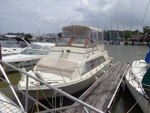 Used Carver 3396 Mariner Cruiser Boat For Sale